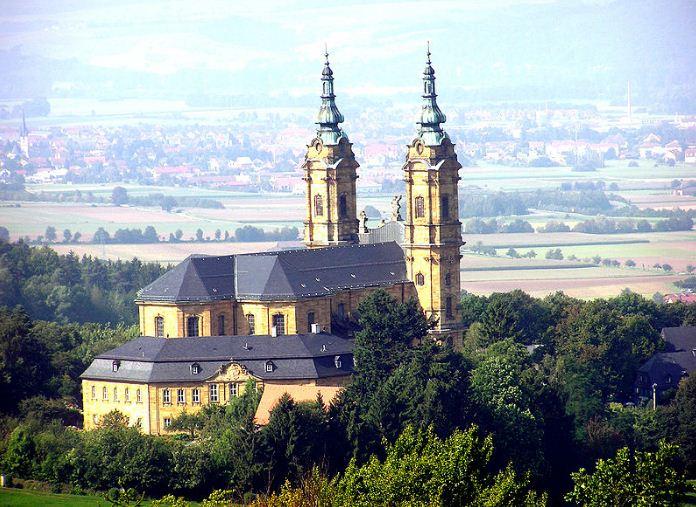 Базилика четырнадцати святых помощников ( Фирценхайлиген), построенная в 1763 году в окрестностях Бад - Штаффельштайна по проекту Бальтазара Неймана.