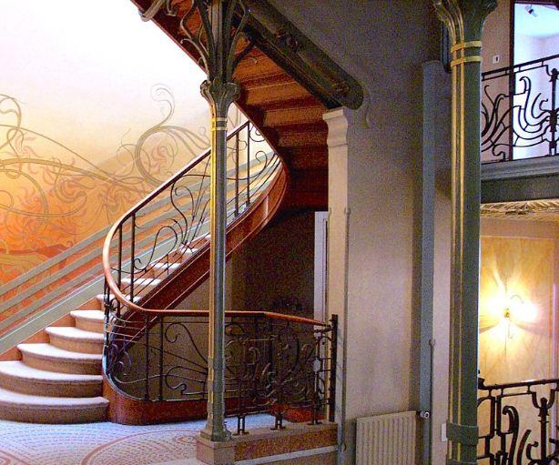 Отель - Тассель в Брюсселе, построенный Виктором Орта. Главная лестница в здании.