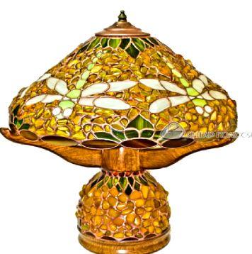 Лампа из натурального янтаря