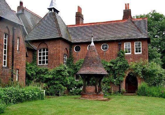 Современный проект дома в английском стиле.