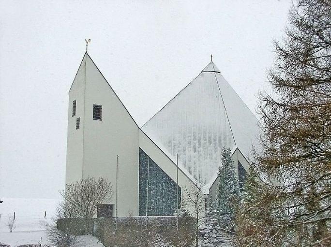 Церковь Святой Анны, построенная в 1963 году по проекту Готфрида Бёма в Хемерне.