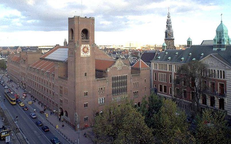 Биржа Берлаге в Амстердаме, построенная в 1903 году.