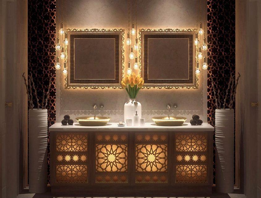 Мебель в ванной украшена резьбой