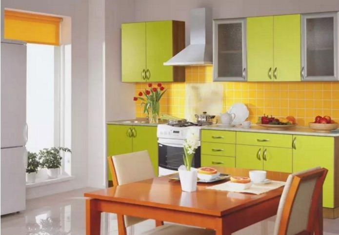 Яркая комбинация цвета лайма с желтыми и оранжевыми оттенками.