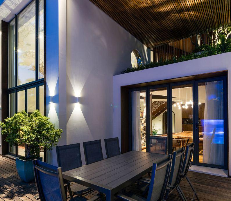 Открытый внутренний дворик - патио