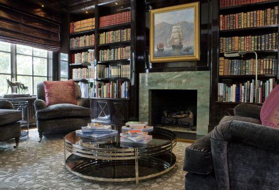 Компактное размещение литературы в домашней библиотеке