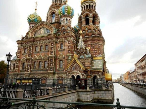 Храм Спаса на Крови в Санкт - Петербурге находится под защитой Государственной инспекции с 1968 года