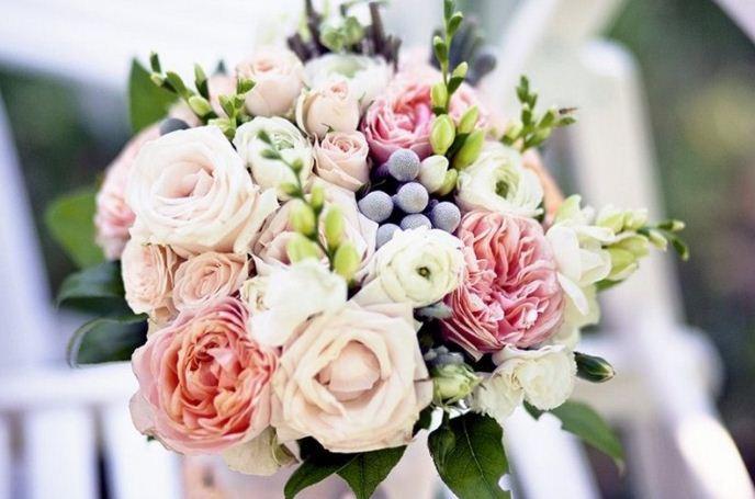 Гармоничное сочетание цветов в букете