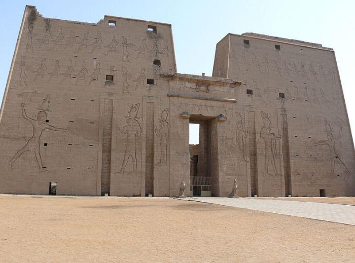 Храм бога Хора в Эдфу
