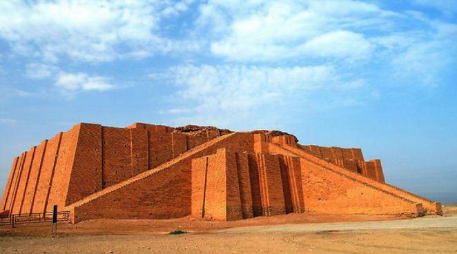 Месопотамский зиккурат ( город Ур)