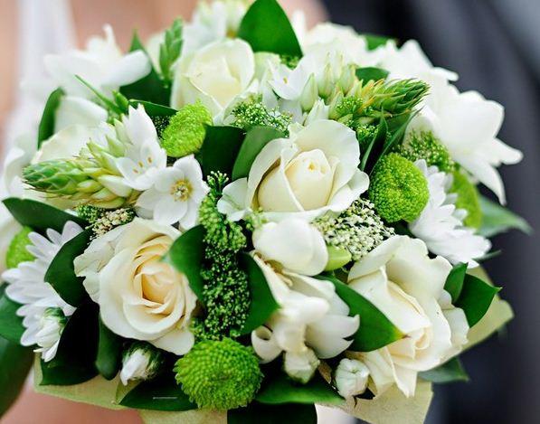 Букет из цветков одного оттенка