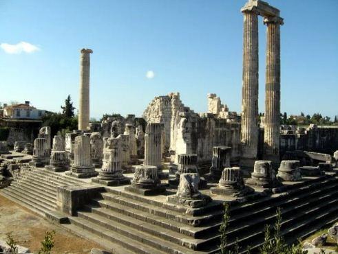 Развалины храма богини Геры на острове Самосе