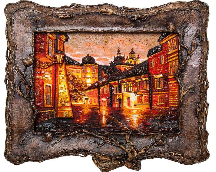 Готовая картина из янтаря в рамке авторской работы