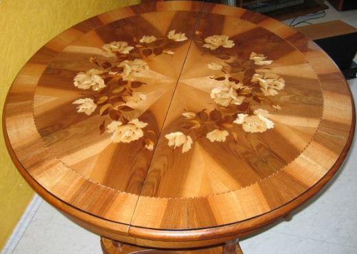 Столик из древесины самшита