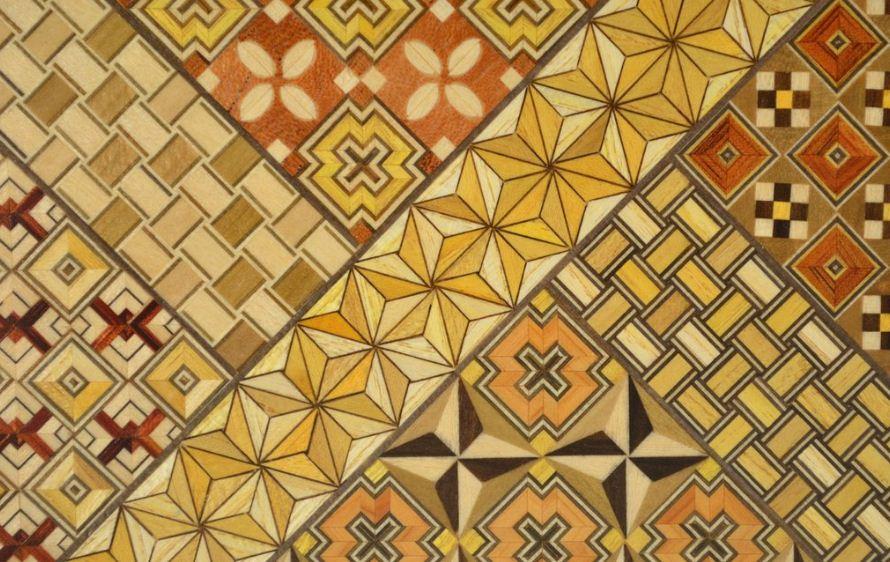 Мозаика из древесины разных цветов