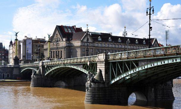 Чехов мост в Праге ( Чехия)