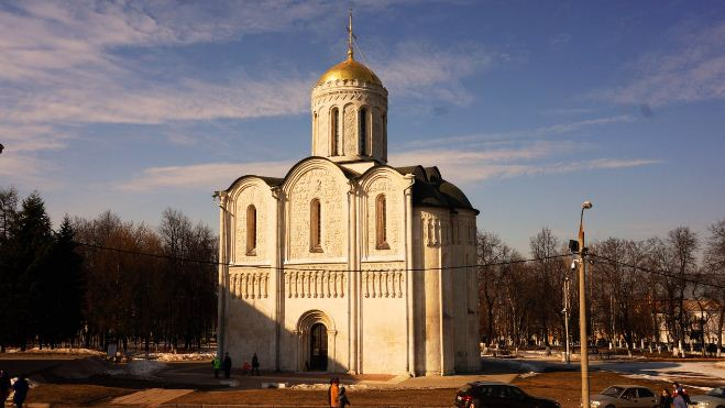Фасад Дмитриевского собора