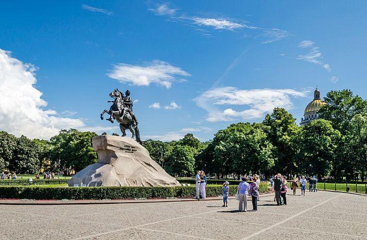 Сенатская площадь в Санкт - Петербурге