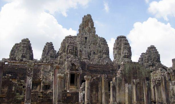 Храм Ангкор Том в Камбоджи