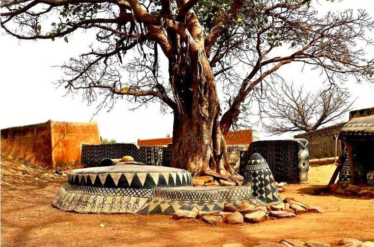 Элементы культовых сооружений в Тьебеле