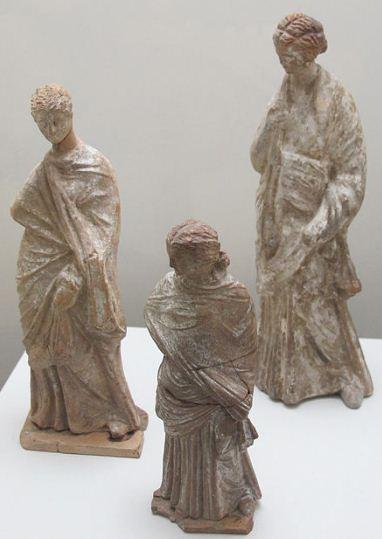 Танагрские статуэтки ( IV - III века до нашей эры).