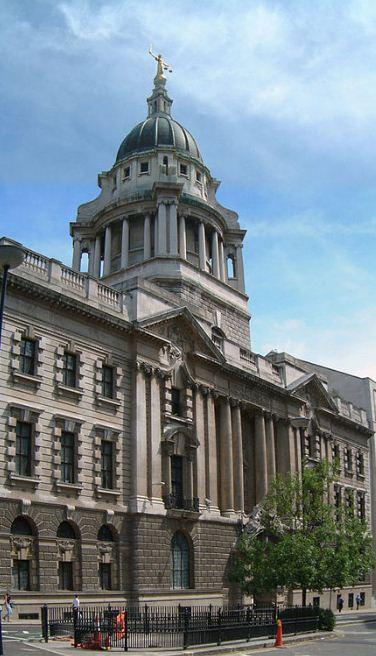 Центральный уголовный суд Олд - Бейли ( построен в 1902 - 1907 годах).
