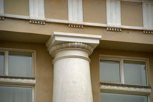 Абака в конструкции колонны