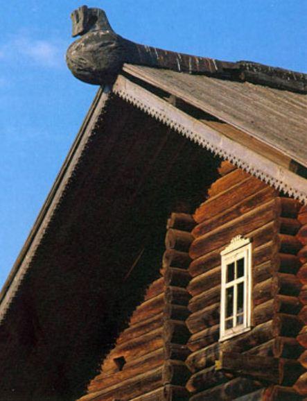 Шелом на доме Вечеславовых ( XIX век). Деревня Матвеевская, Тарногского района.