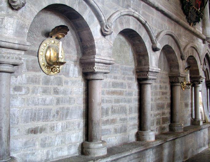 Аркатура Кафедрального собора Линчёпинга ( Швеция)