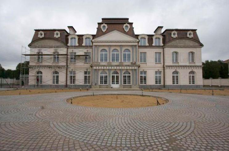 Замок в стиле барокко.
