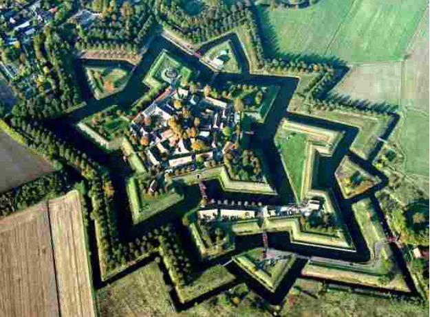 Форт Буртанье ( Нидерланды) после реставрации.