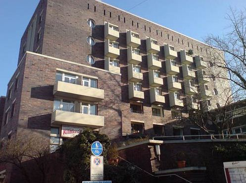 Здание, построенное по проекту Эриха Нойферта.