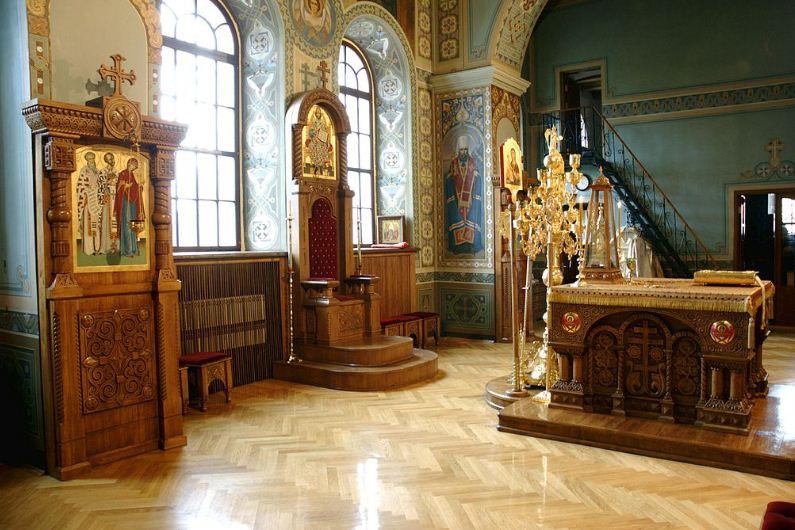 Главный алтарь Свято - Троицкого собора Ионинского монастыря