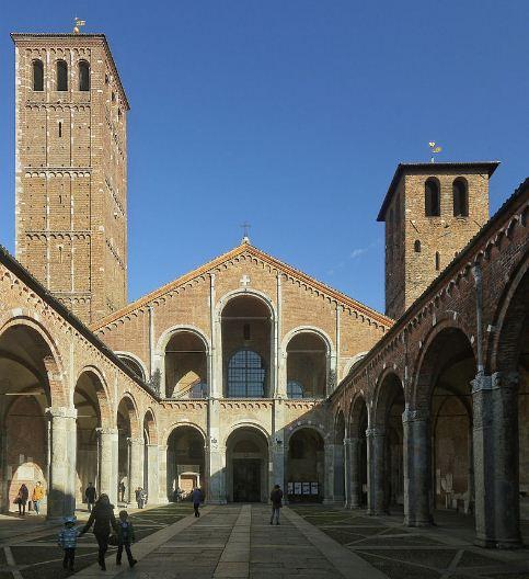 Атриум базилики Сант - Амброджо ( Милан).