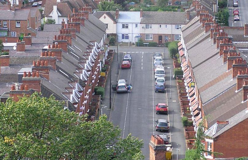 Застройка улицы, типичная для английских городов.