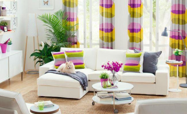 Весеннее настроение создают легкие шторы яркой расцветки