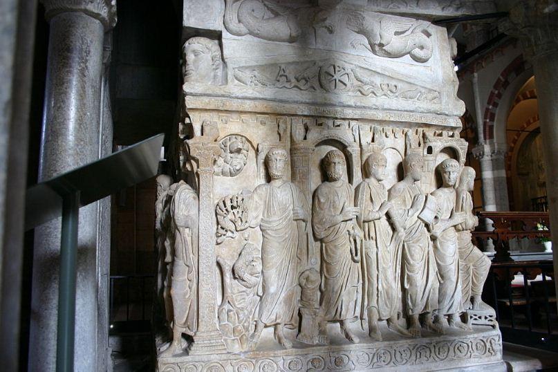 Саркофаг Стилихона в Амвросианской базилике.