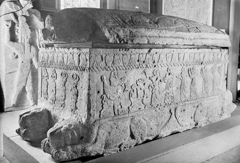 Саркофаг царя Ахирама.