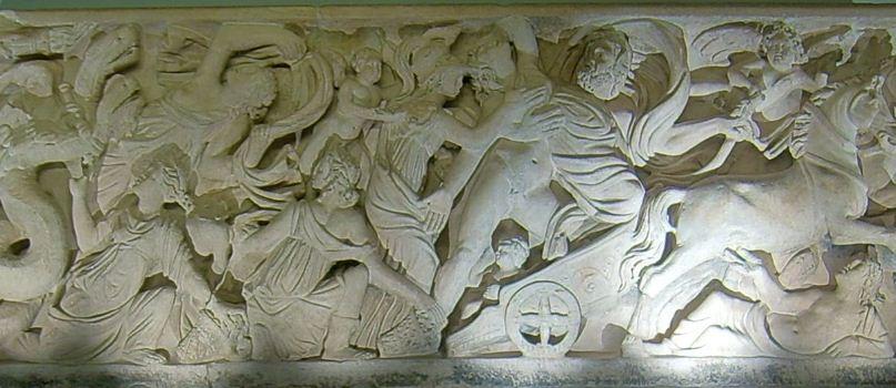 Скульптурный рельеф на саркофаге Карла Великого