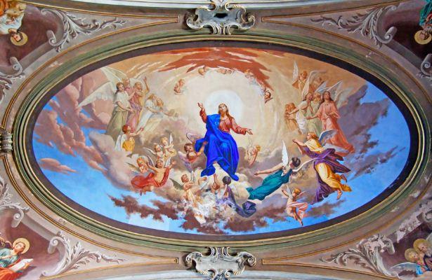 Фреска на потолке, классический сюжет