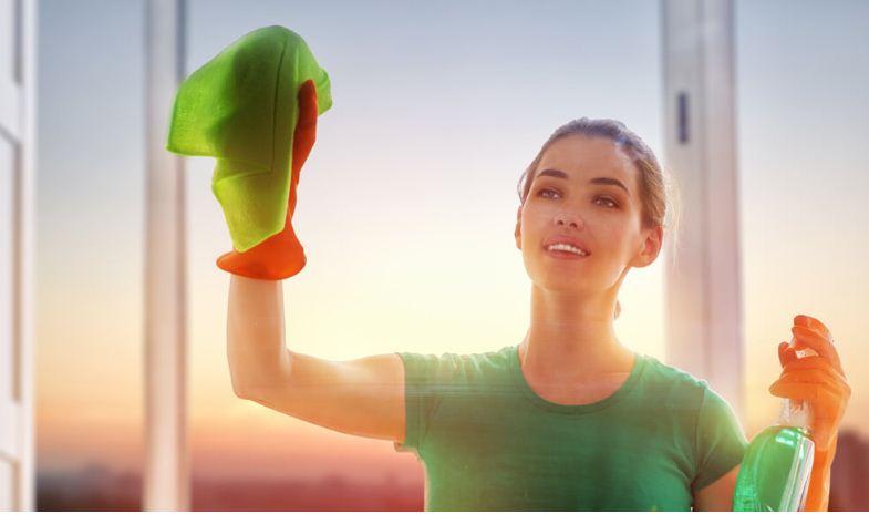 Для очищения стеклопакетов используйте специальные средства для стекол
