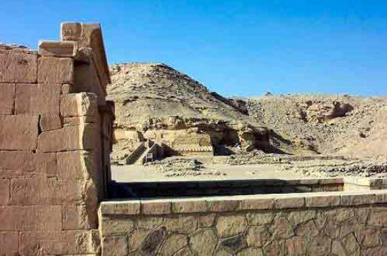 Развалины Нехеба