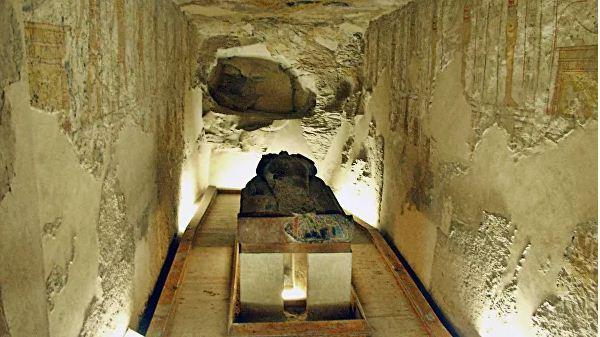 Гробница фараона Ха - Ба, представителя III древнеегипетской династии. Возраст захоронения составляет около 4500 лет