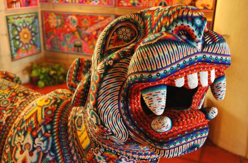 Ягуар, выложенный бисером - ритуальная статуэтка уичоли