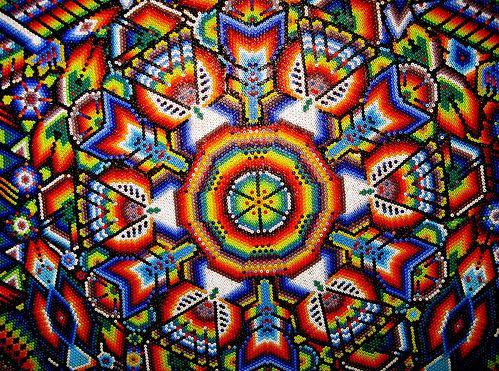 Мозаичный узор из бисера