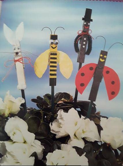 Семейка забавных насекомых из прищепок