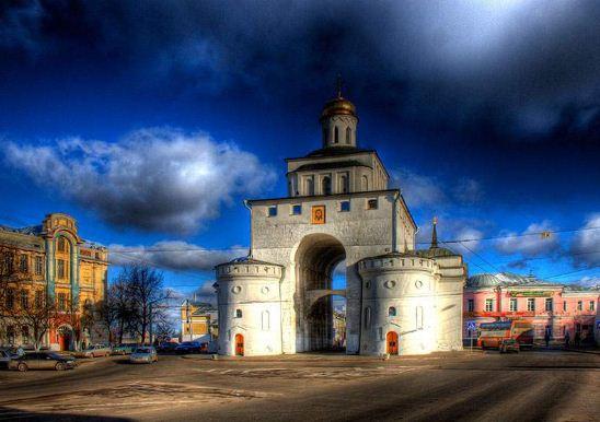 Золотые ворота - символ немеркнущей боевой славы русского народа
