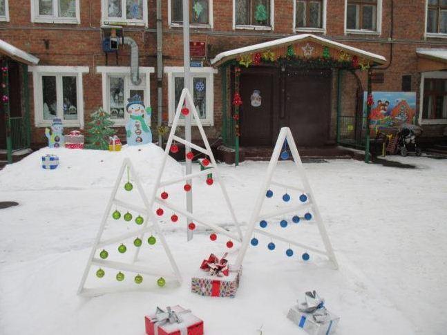 Стилизованный новогодний декор группового участка