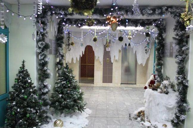 Сказочно красивый новогодний интерьер в детском саду.