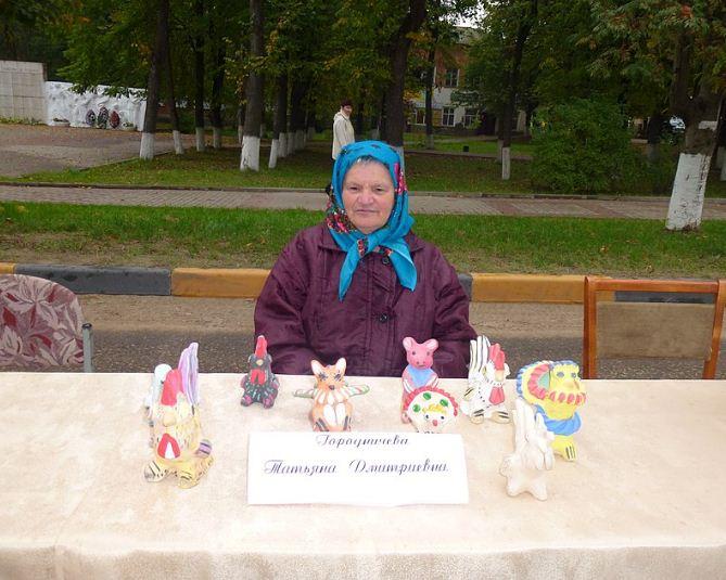Хлудневская мастерица Татьяна Городничева.